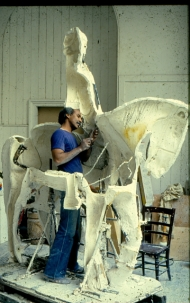 Dr Abdo Osman working on the mould for El Mahdi's statue (1984) (Credit: Rod Usher)